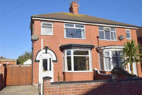 3 bedroom semi-detached house for sale - Robson Road, Cleethorpes, North East Lincolnshire