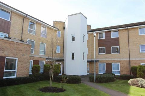 1 bedroom flat for sale - Ashton Court, Chingford, London