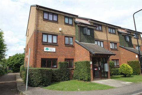 1 bedroom flat for sale - Oak Court, Chingford