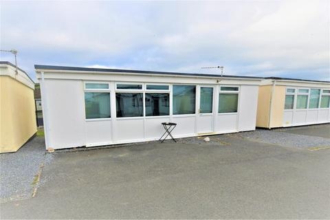 3 bedroom chalet for sale - Carmarthen Bay, Kidwelly