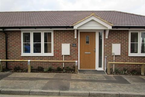 1 bedroom semi-detached bungalow for sale - Woodpecker Road, Larkfield, Kent