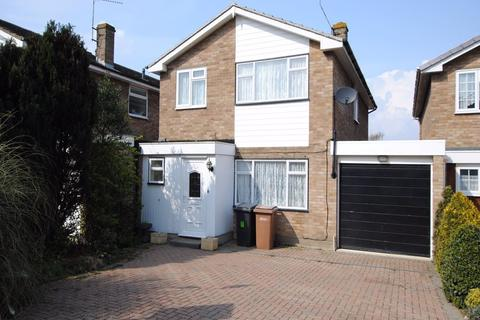 4 bedroom detached house to rent - Riffhams Drive, Great Baddow, Chelmsford, CM2