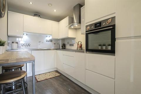 2 bedroom apartment for sale - Century Wharf, Cardiff Bay