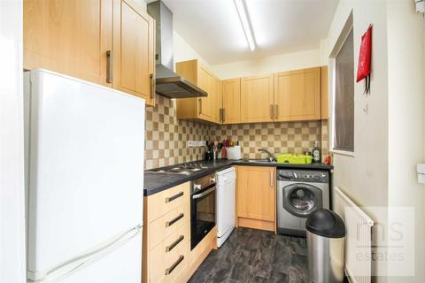 4 bedroom semi-detached house to rent - Johnson Road, Lenton, Nottingham