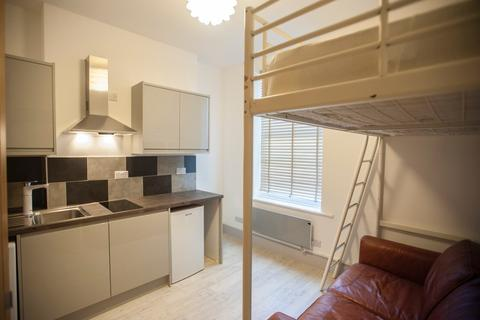 Studio to rent - Egremont Place, Brighton