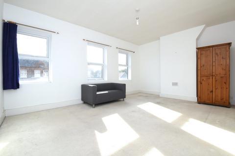 3 bedroom flat to rent - Honor Oak Park, SE23