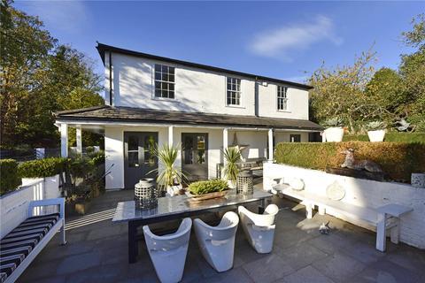 5 bedroom detached house to rent - Furze Platt Road, Pinkneys Green, Maidenhead, Berkshire, SL6
