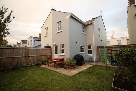 3 bedroom semi-detached house to rent - St Annes Terrace, Cheltenham, GL52