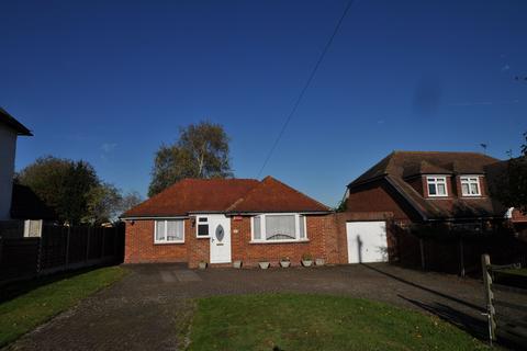 3 bedroom bungalow to rent - High Street, Newington, Sittingbourne, ME9