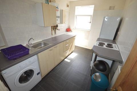 3 bedroom flat to rent - Narborough Road, LE3 - 3 Bedroom Upper Floor Flat