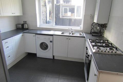 6 bedroom house to rent - George Street, City Centre, Swansea