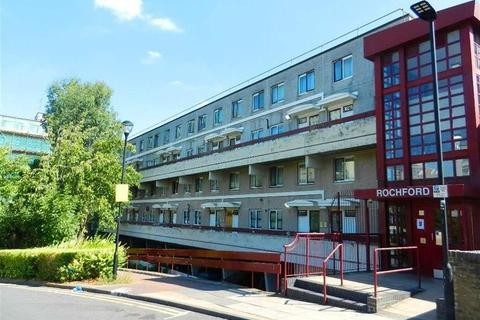 3 bedroom flat for sale - Griffin Road, Tottenham, London, N17 6HX