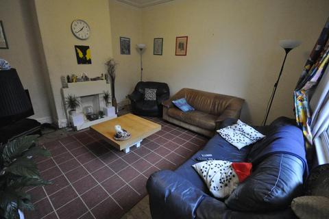 4 bedroom house to rent - Claremont Grove, University, Leeds, LS3 1AX
