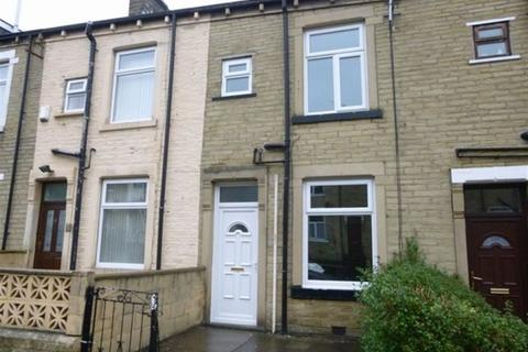 3 bedroom terraced house to rent -  Harlow Road,  Lidget Green, BD7