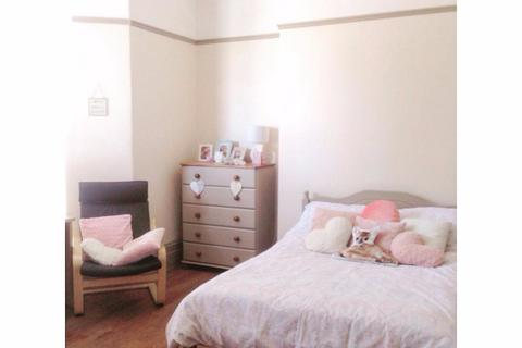 8 bedroom terraced house to rent - Lisson Grove , Plymouth