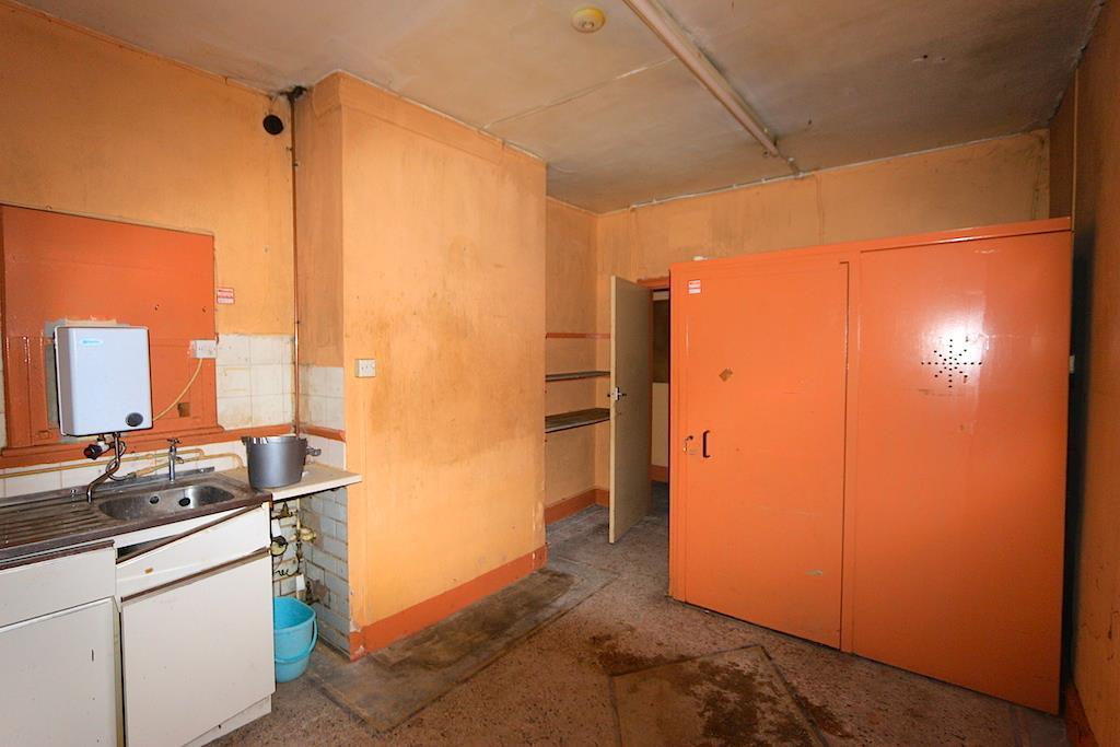 Kitchen / Break Area