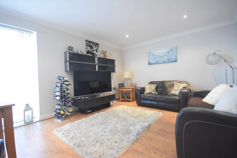 2 bedroom flat to rent - Century Court 5 Lower Canal Walk, City Centre, Southampton, SO14