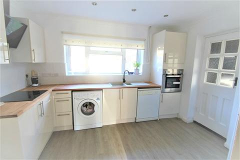 3 bedroom detached house to rent - Dawes East Road, Burnham, Buckinghamshire