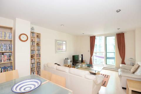 2 bedroom flat to rent - Drake House, St George Wharf, Vauxhall, London, SW8
