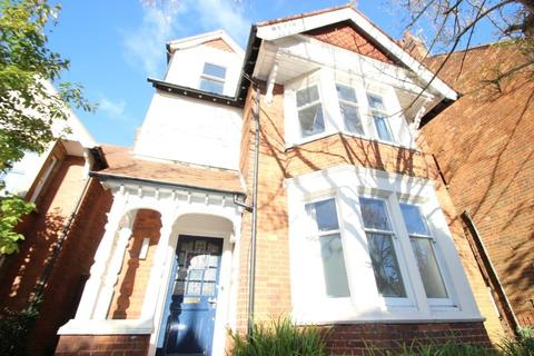 6 bedroom semi-detached house to rent - Divinity Road, East Oxford