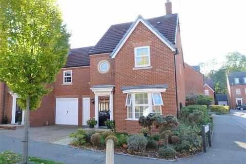 4 bedroom semi-detached house for sale - Langstone Ley, Welwyn Garden City