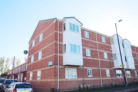 2 bedroom flat for sale - Abbey Court, Shiremoor, Newcastle Upon Tyne