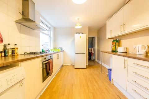 3 bedroom flat to rent - £80pppw - Valley View, Jesmond, NE2
