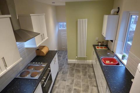 3 bedroom flat to rent - Oakland Road, Jesmond