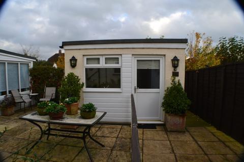 Studio to rent - Maple Crescent Newbury