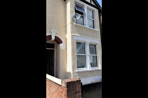 3 bedroom terraced house to rent - Tottenham,  N17