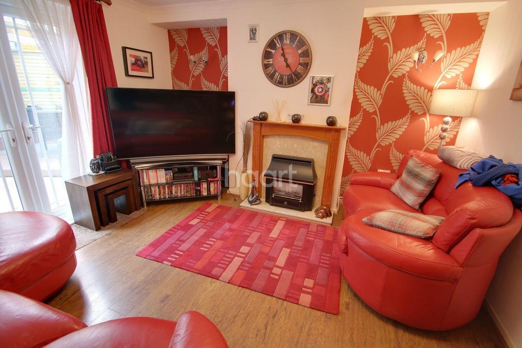 3 Bedrooms Semi Detached House for sale in Glenhills Boulevard, Leicester, Leicestershire