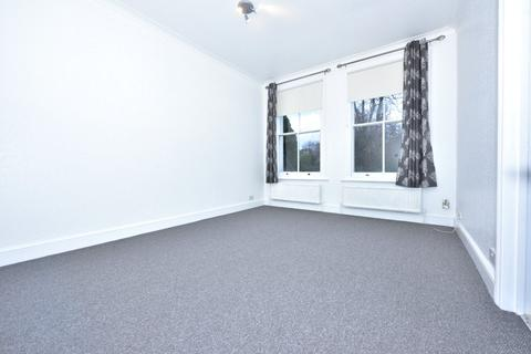 3 bedroom apartment to rent - The Grove, Isleworth, TW7