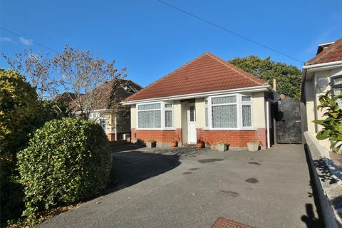 3 bedroom detached bungalow for sale - Middle Road, Oakdale, POOLE, Dorset