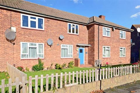 1 bedroom flat for sale - Longtown Close, Romford, Essex