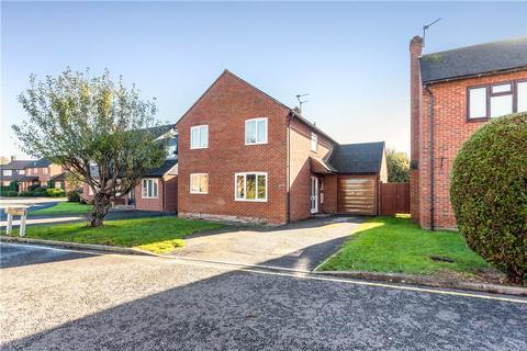 4 bedroom detached house for sale - Meadow Park, Stoke Mandeville, Aylesbury, Buckinghamshire