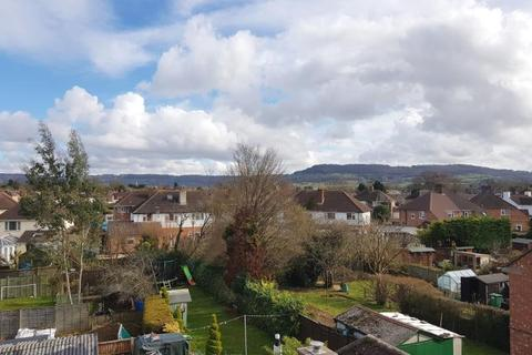 2 bedroom flat to rent - Lynmouth Road, Hucclecote