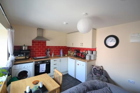1 bedroom apartment to rent - High Street, Ringwood