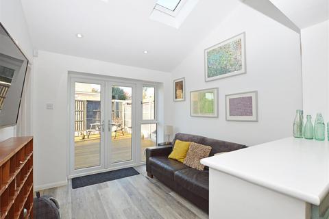4 bedroom detached house for sale - Werrington Park Avenue, Werrington, Peterborough