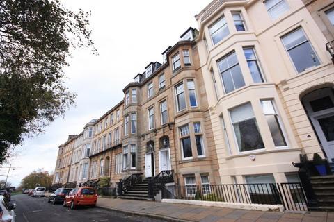 3 bedroom flat to rent - Flat 4, 15 Woodlands Terrace