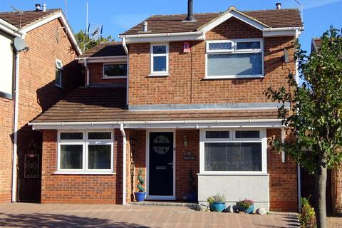 3 bedroom detached house for sale - Diamond Drive, Oakwood, Derby