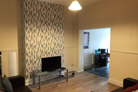 3 bedroom property to rent - Sharp Street, Hull