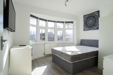8 bedroom semi-detached house to rent - **£110pppw** Queens Road East, Beeston, NG9 2GS