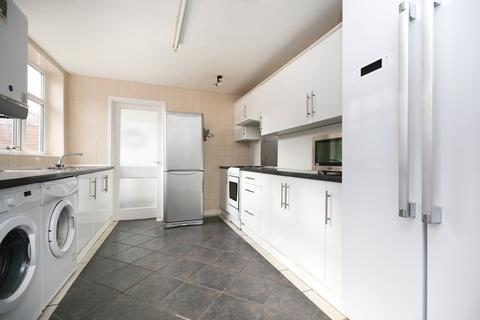 6 bedroom semi-detached house to rent - Cartington Terrace, Heaton, Newcastle Upon Tyne