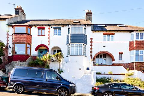 4 bedroom terraced house for sale - Stanmer Park Road, Brighton, BN1
