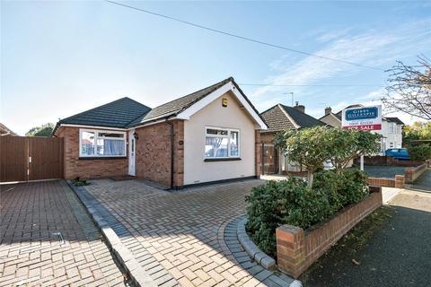 2 bedroom bungalow for sale - Myrtle Avenue, Ruislip, Middlesex, HA4