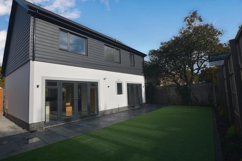 3 bedroom detached house for sale - Hayes Close, Wimborne