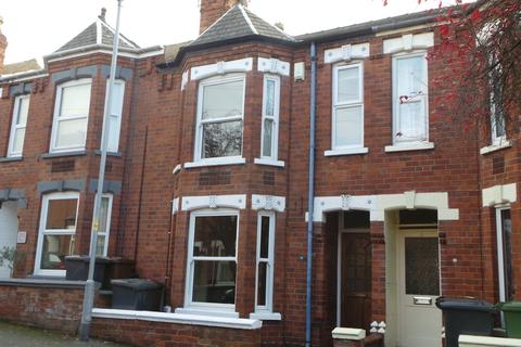 2 bedroom terraced house - Whitehall Grove, Lincoln