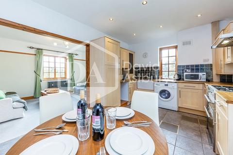 3 bedroom apartment to rent - Holly Bank, Muswell Hill, London