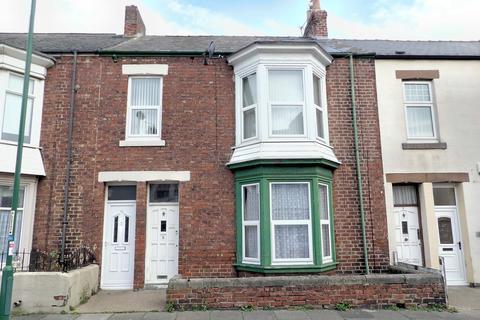 3 bedroom flat to rent - George Scott Street, Lawe Top, South Shields, Tyne and Wear, NE33 2JR