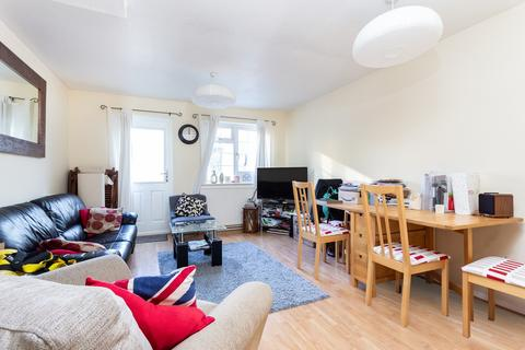 2 bedroom terraced house to rent - St Edmunds Close, Tooting, SW17
